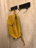 Горчично-желтый