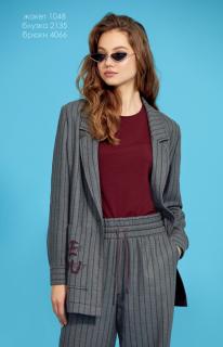 Серый с полоской цвета бордо