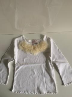 белый с длинным рукавом с  5-ю розетками слоновая кость