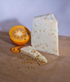 Монкле́р Фену́ — сыр полутвёрдый, выдержанный, с пажитником